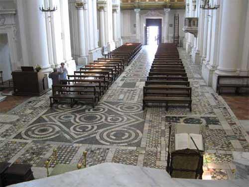 La cattedrale di civita castellana - Arredo bagno civita castellana ...