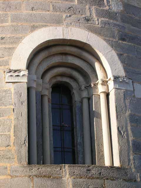 Santi pietro e paolo a brebbia - Finestra a tre aperture ...