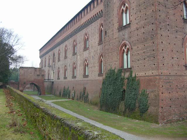 Il castello di pavia - Finestre castelli medievali ...