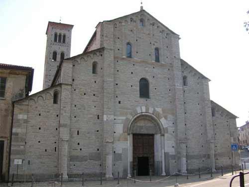 http://www.medioevo.org/artemedievale/Images/Lombardia/SantAbbondioaComo/DSCN9314s.jpg
