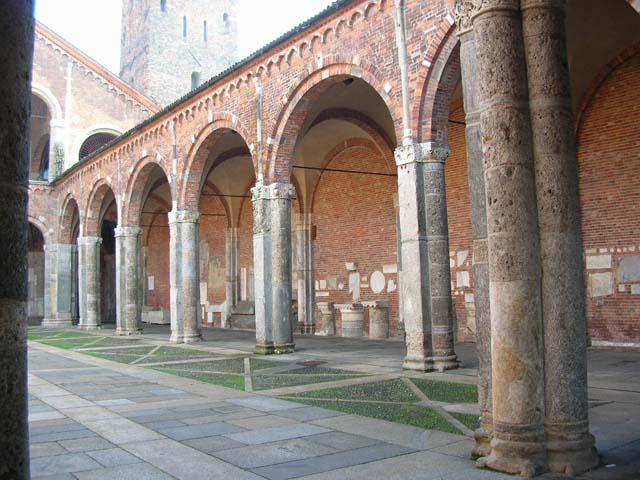 Sant 39 ambrogio a milano for Aggiornare le colonne del portico