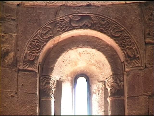 San pietro a cedda - Finestra a due archi ...