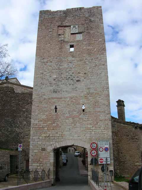 Fortificazioni di assisi - Porta san giacomo assisi ...
